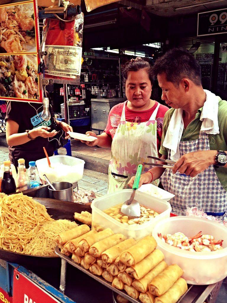 Bangkok - stolica tajlandii - jedzenie regionalne Tajlandia Wyprawa