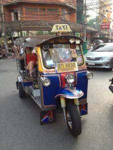 Tuk Tuk, taksówka w Bangkok