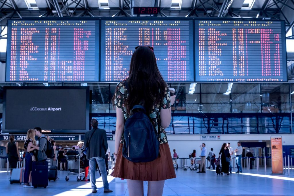 Dziewczyna na lotnisku